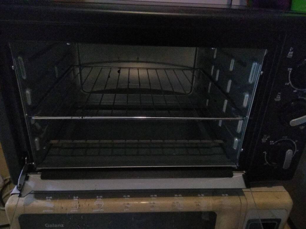 格兰仕(Galanz)电烤箱家用烘焙烤箱30升上下发热管多层烤位家用电烤箱K11