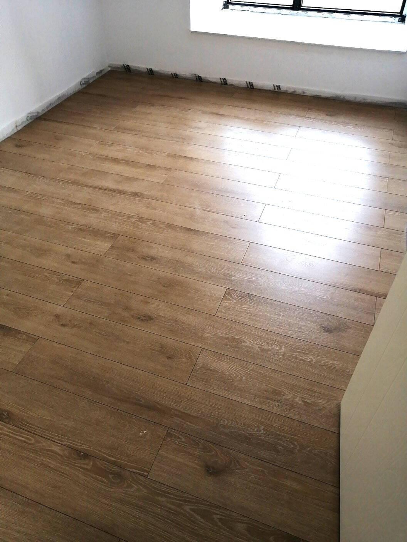 大自然强化复合地板样板专拍需要几款拍几个需要几块拍几个*请联系客服备注(仅限线上款式)