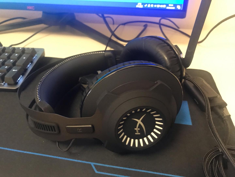 金士顿HyperX黑鹰S游戏耳机,一切设计就是为吃鸡