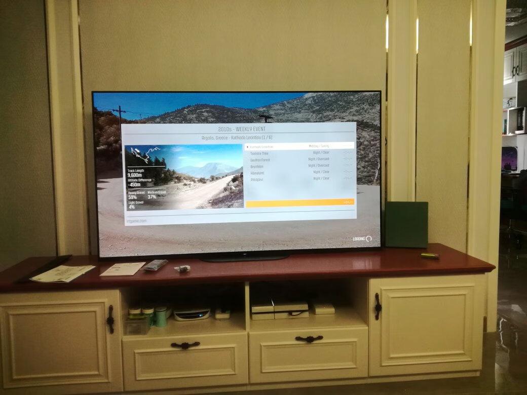 索尼65英寸4K高端电视,几秒钟开机