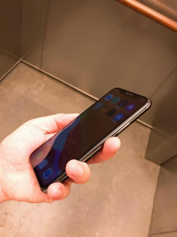 插画师【贴坏包赔】苹果XsMax/11ProMax防窥钢化膜iPhone11ProMax手机膜曲面全屏覆盖防偷窥超薄玻璃贴膜