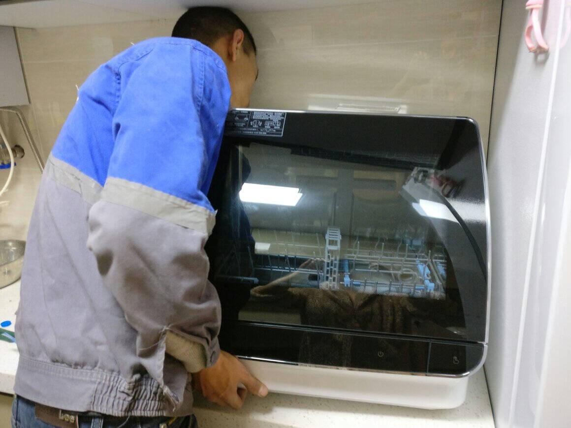 海尔(Haier)AK40013套大容量独立式洗碗机80℃双微蒸汽智能开门烘干全自动家用洗碗机EW130266BKD