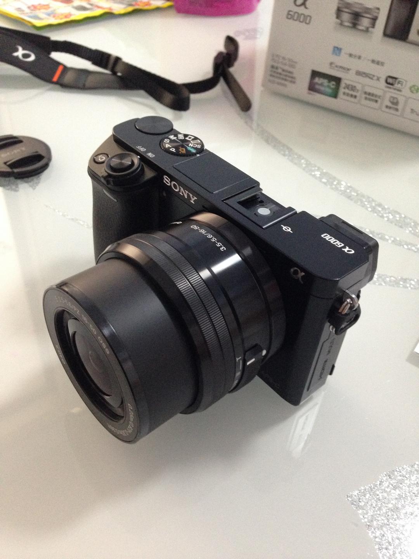 索尼6000L微单数码相机,送女朋友轻巧便携礼物