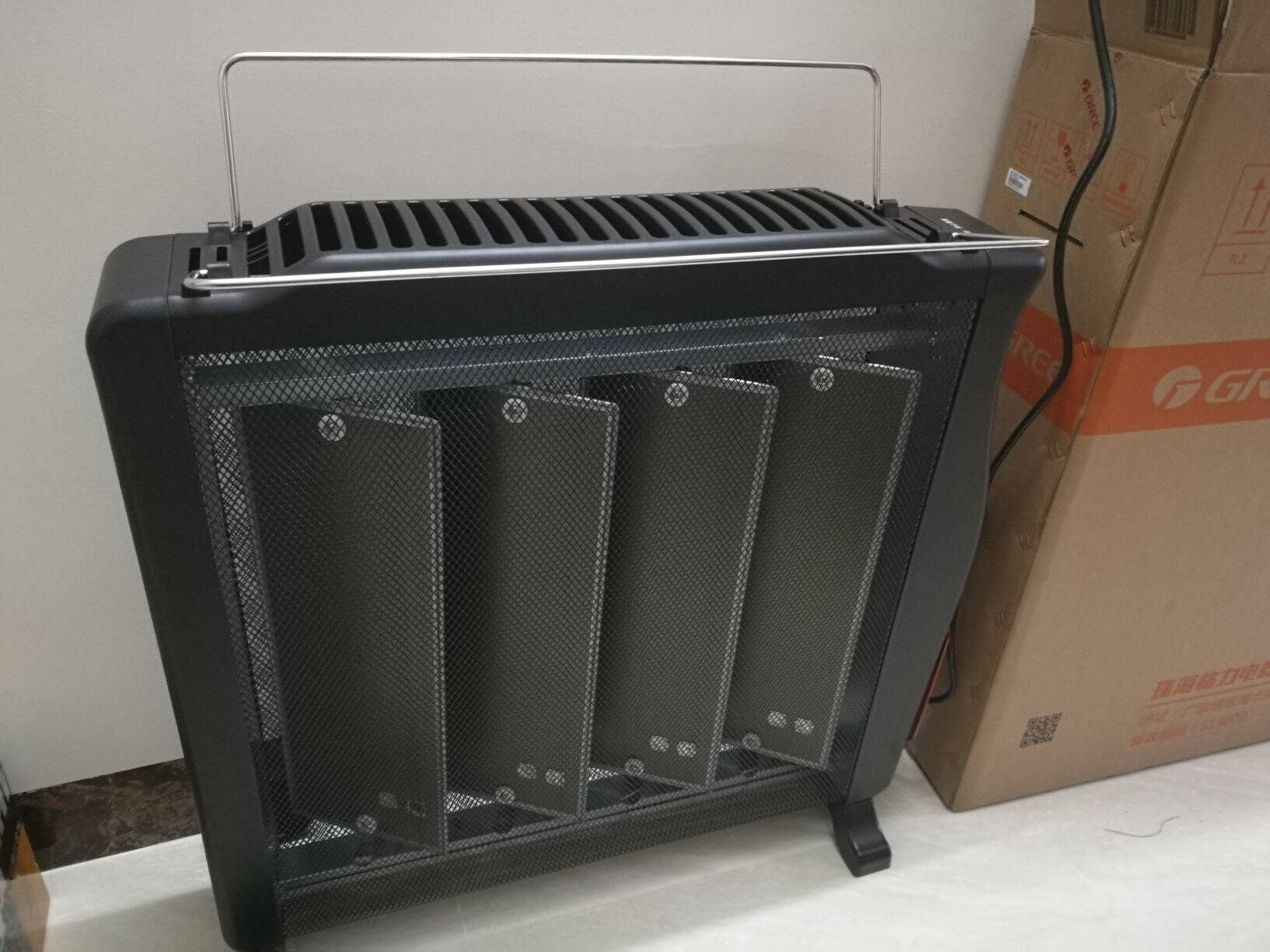 格力(GREE)家用移动节能暖风机电暖器静音电暖气片浴室欧式无光宝宝婴儿防烫电热膜速热加湿取暖器格力NDYE-X6021