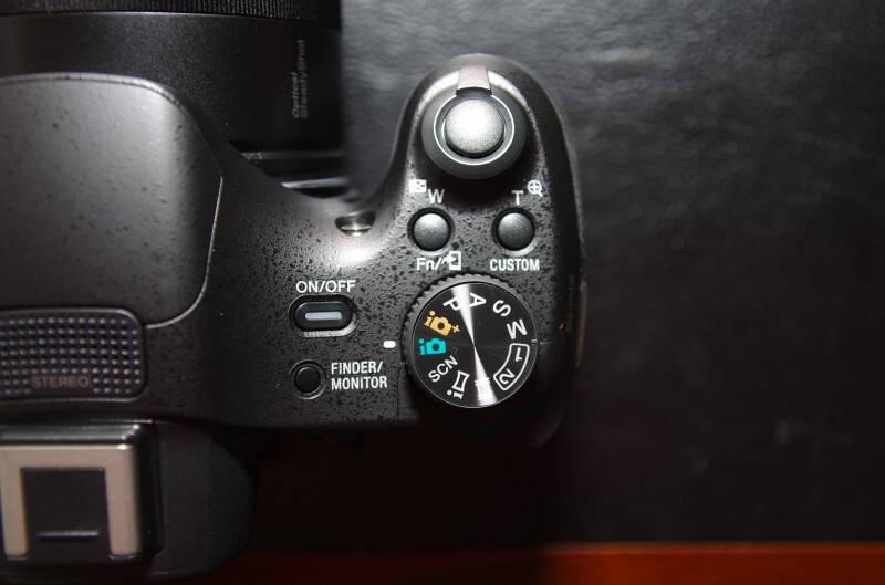 索尼(SONY)DSC-HX400长焦数码相机/照相机(约2040万有效像素50倍光学变焦蔡司镜头Wi-Fi遥控拍摄)