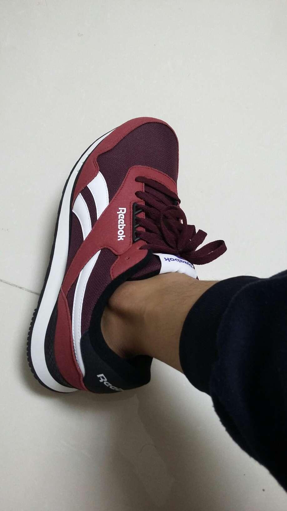 À première vue, ou bien je ne sais pas si c\'est authentique sale running shoes usa airmax97 0913069 cheap