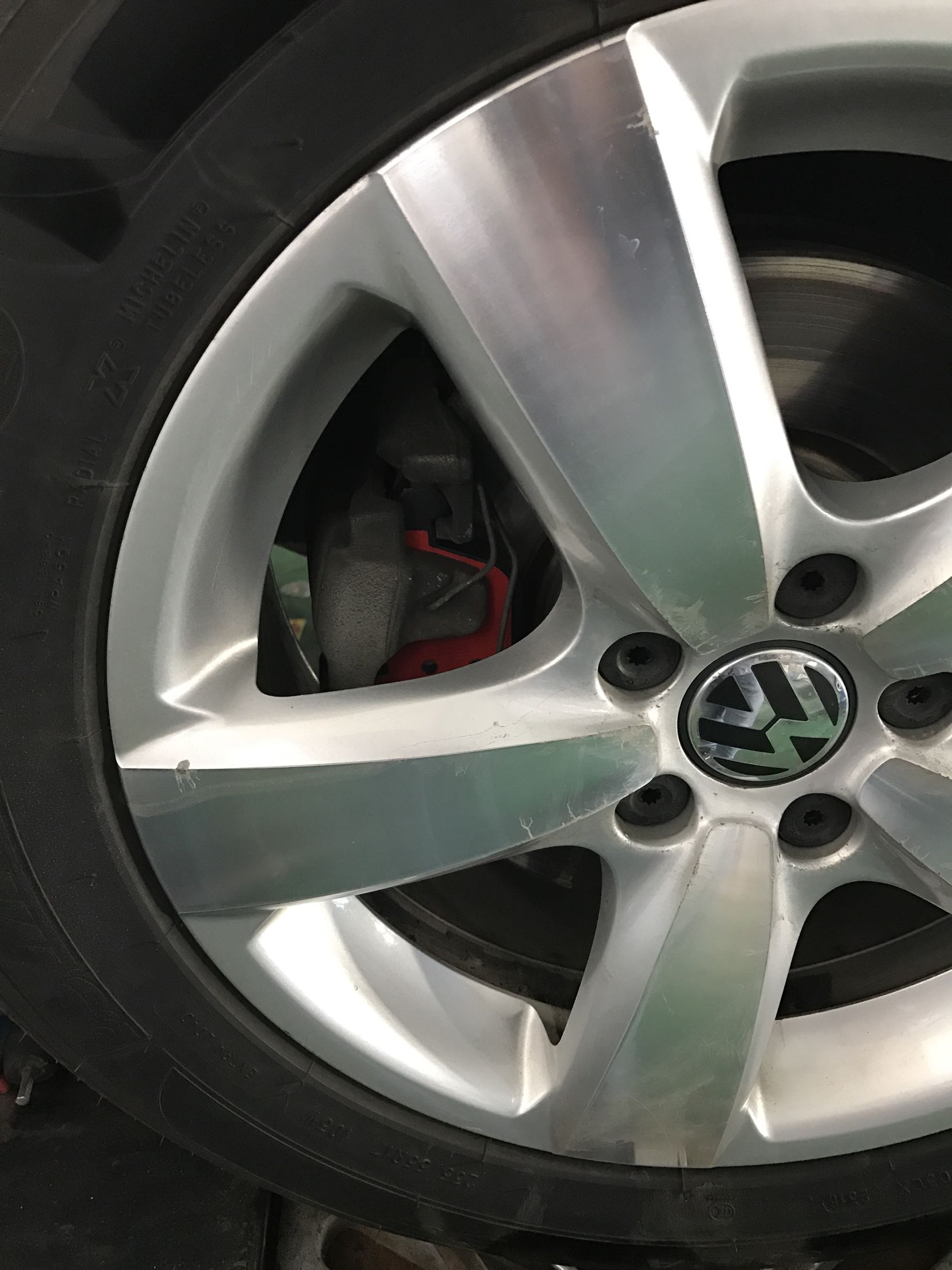The original car piece used abnormal sound, to catch up with the activities for a new look, after the change is not too much feeling. It is thick, and the brakes are on.