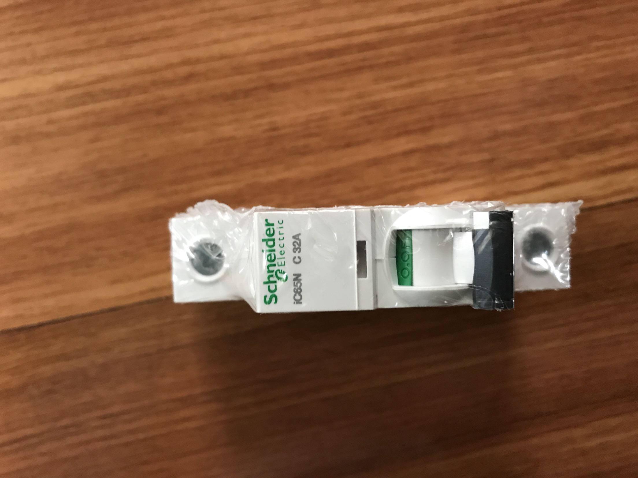 施耐德电气单进单出标准型空气开关Acti9系列1PC20A家用微型断路器A9F18120R