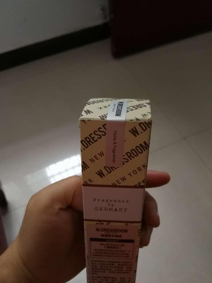 Grosse bouteille, un flacon de 100 ml, à l\'extérieur de l\'emballage, très abordable. air jordan space jams ebay airmax97 0934751 outlet