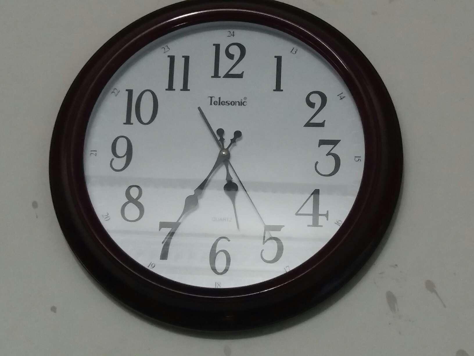 天王星(Telesonic)挂钟12英寸日式简约挂钟家用客厅时钟装饰石英钟卧室静音时钟表Q0731-1白色