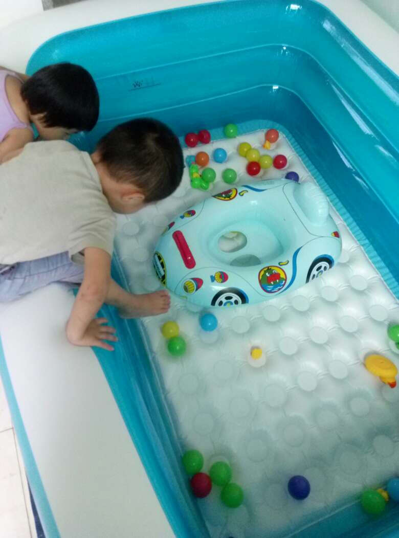 盈泰(intime)游泳池婴儿超大充气家庭儿童戏水池加厚保温洗澡盆加厚1.8米三层豪华【长180宽140高60CM】
