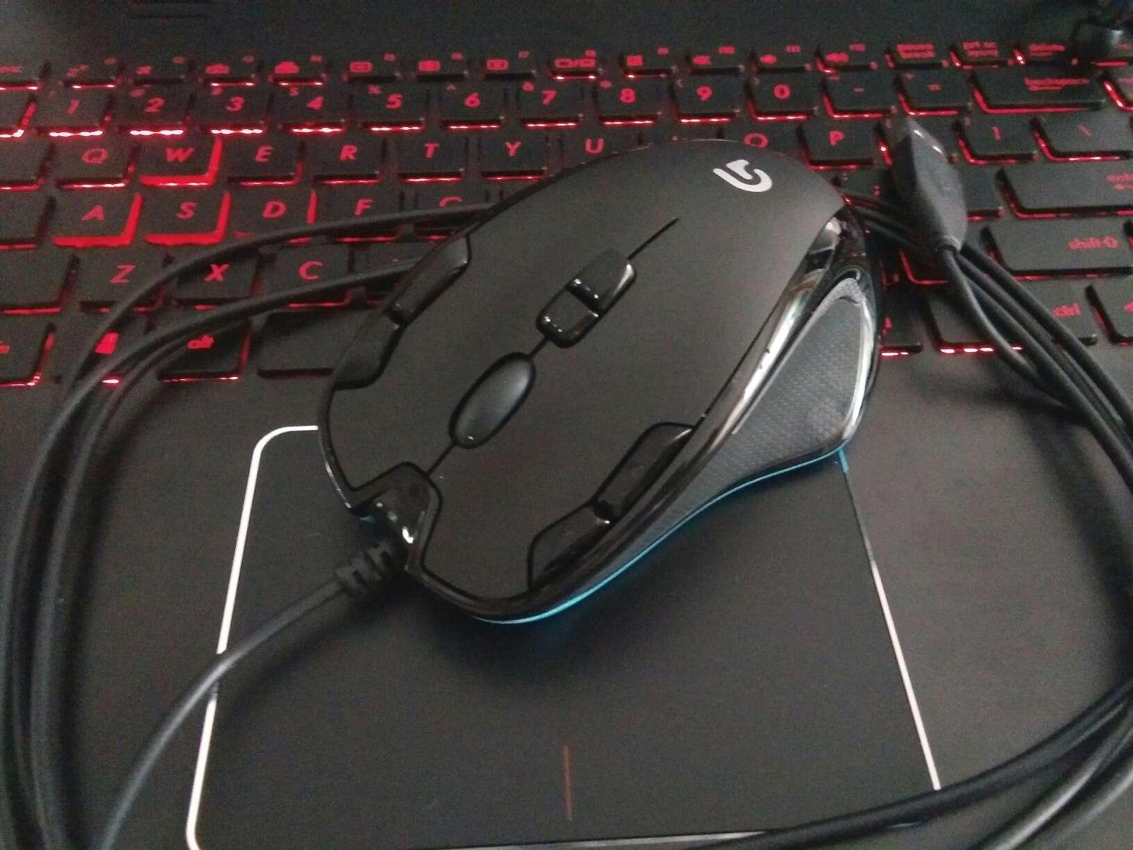 罗技(G)G300s有线鼠标游戏鼠标9个可编程G键吃鸡鼠标绝地求生