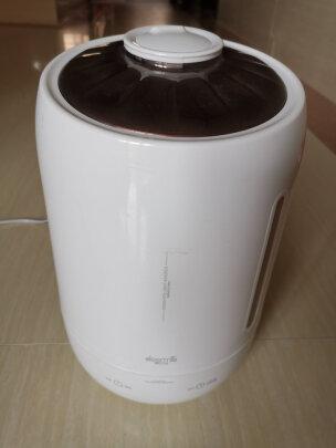 德尔玛DEM-F600(白色)对比小熊JSQ-A50U1区别很大吗?雾量哪个大,哪个适合家用?