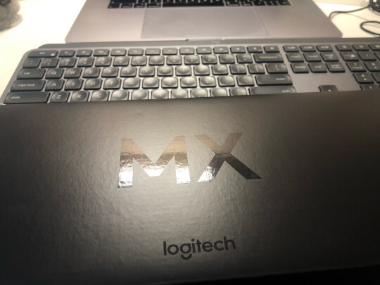 罗技MX Keys和CHERRY G80-3000LSCEU-2到底区别是什么,按键哪款舒服?哪个质量上乘