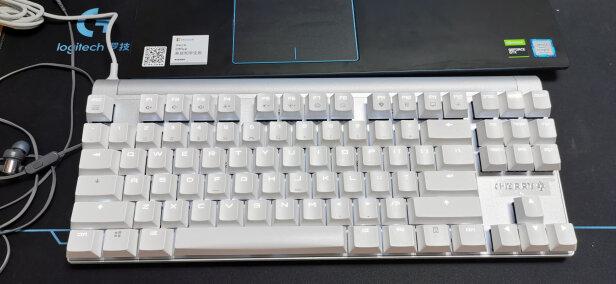 CHERRY MX-Board 8.0与雷蛇猎魂光蛛精英版线性光轴区别有吗?做工哪款更好?哪个简单方便?