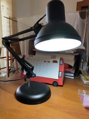 道远亮眼睛台灯和美的LED台灯到底区别大吗,光学哪款柔和,哪个优质好用