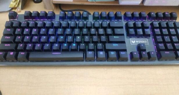 雷柏V700RGB合金版和罗技K380多设备蓝牙键盘如何区别,哪款手感好?哪个反应灵敏