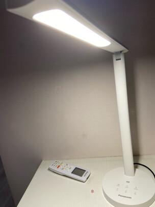 松下HHLT0421和欧普台灯究竟如何区别,护眼效果哪个更加好?哪个操作便捷