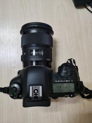 适马ART 50mm F1.4 DG HSM对比SONY SEL35F28Z哪款好?哪个锐度更高?哪个大光圈可用?