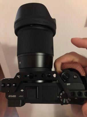 适马16mm F1.4 DC DN | Contemporary对比索尼SEL35F18哪个好?清晰度哪款高?哪个做工精细