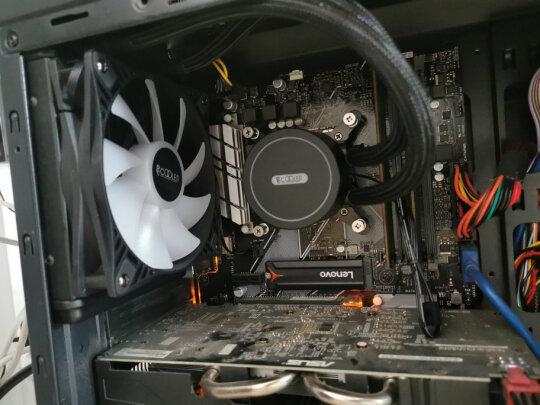 超频三巨浪120和aigo 八度空间R5 电脑机箱风扇有什么区别?散热效果哪款好,哪个十分大气