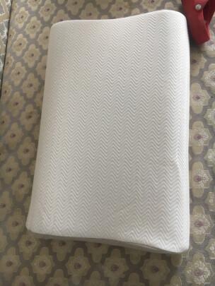 佳奥J13B04与九洲鹿枕头有什么区别?哪款回弹好?哪个做工精致?