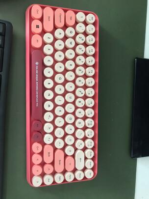 镭拓RF100跟雷神KG3104幻彩游戏机械键盘哪款好,手感哪个更加好,哪个运行安静?