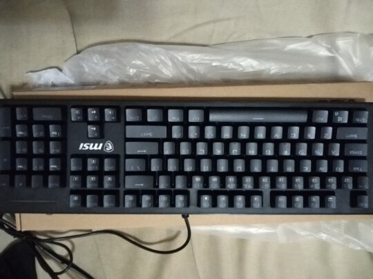 MSI GK50Z 电竞键盘跟黑爵守望者Ⅱ 黑色 青轴如何区别?做工哪款更加好,哪个做工一流?