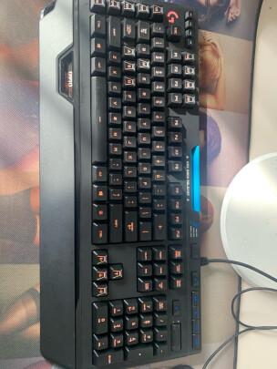 罗技910 R B机械游戏键盘跟美商海盗船K70 RGB MK,2如何区别,按键哪个更舒服?哪个倍感舒适?