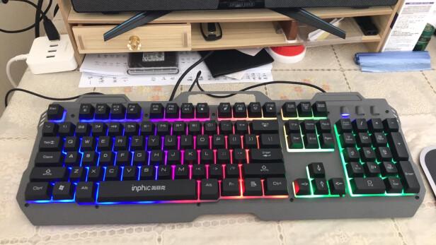 英菲克V680h游戏键鼠套装跟灵蛇MK210铁灰版哪个更好?按键哪款更舒服?哪个十分酷炫?