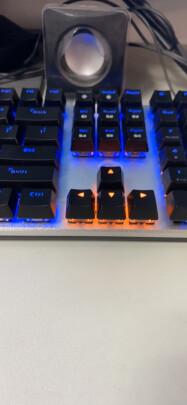 达尔优机械师合金版和狼蛛F2088 黑轴 混光 普通版有本质区别吗?按键哪款更舒服?哪个按键舒服