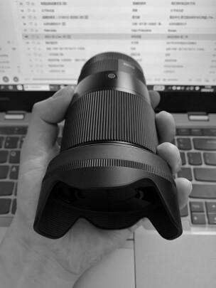适马16mm F1.4 DC DN | Contemporary对比索尼SEL35F18有本质区别吗,虚化效果哪个比较好?哪个做工精细