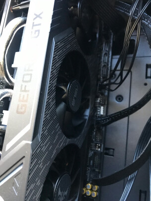 ASUS 其他和七彩虹iGame GeForce RTX 2060 SUPER Ultra区别大吗,哪款做工更好?哪个效果惊艳?