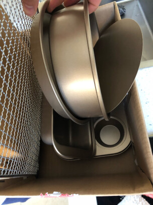 海氏碳钢模具四件套到底怎么样,操作简单吗?没有异味吗?