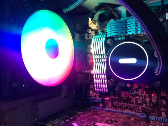 超频三巨浪120与aigo 八度空间R5 电脑机箱风扇到底区别有吗,哪款噪音静音,哪个做工一流