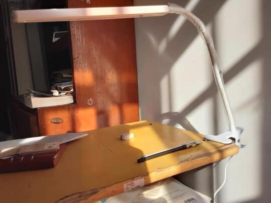 阳致充电夹子台灯好不好?做工够好吗?光线柔和吗?
