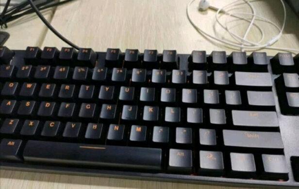 达尔优DK100跟英菲克V780有本质区别吗,哪款按键更加舒服,哪个小巧玲珑