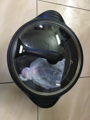 苏泊尔JJ34D801-180跟小熊DZG-C60A1到底哪款好点?刷洗哪款更方便?哪个火锅必备