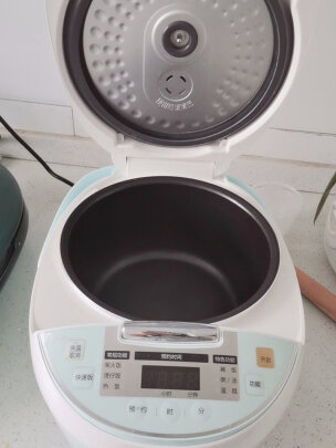 美的MB-FB30Simple101与美的MB-WYN201究竟有区别没有?哪个煮粥比较快?哪个易于操控?