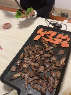 克来比中号麦饭石电烤炉跟克来比电烤炉有区别没有,哪款烤肉更加香?哪个工艺精美