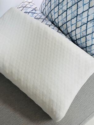 愉悦之家乳胶枕好不好,透气性好不好?毫无色差吗