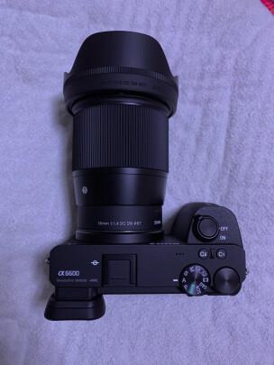适马16mm F1.4 DC DN | Contemporary和索尼SEL35F18有很大区别吗,哪款虚化效果更好?哪个做工精细
