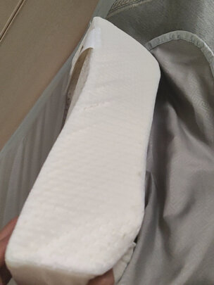 颐佳爱乳胶枕到底靠谱吗,材质亲肤吗?干净整洁吗