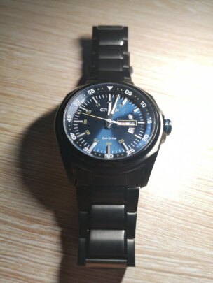 西铁城光动能男表跟卡西欧男士手表区别明显吗,档次哪个更高?哪个质感一流?