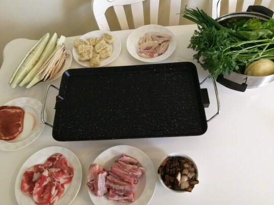 克来比中号麦饭石电烤炉与克来比电烤炉有区别吗,油烟哪款更加少?哪个尺寸适宜