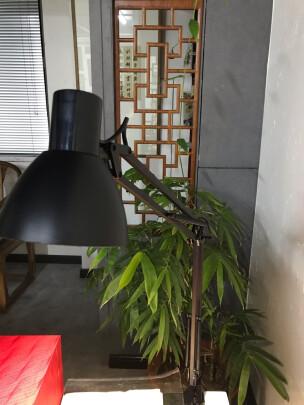 好视力LED台灯和美的LED台灯区别大吗?亮度哪个更加高?哪个外观简洁?