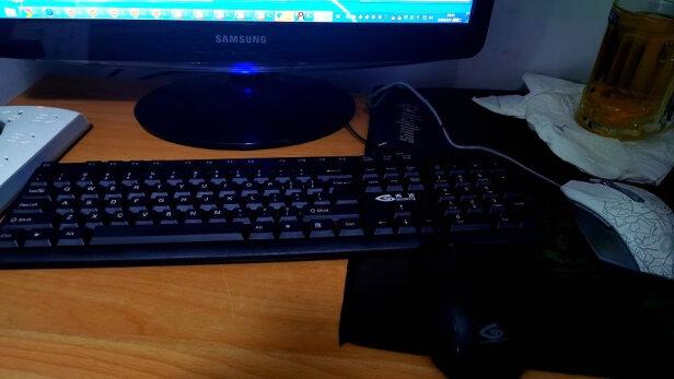 吉选K830 PS2跟灵蛇K300区别是什么?哪款做工更好,哪个十分大气
