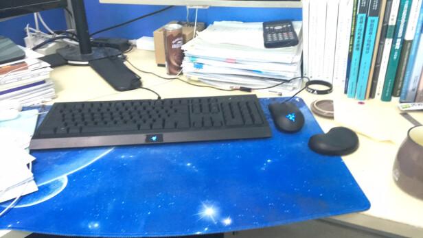 雷蛇萨诺狼蛛轻装版+ 狂蛇轻装版对比G 413机械游戏键盘(银)有何区别?手感哪个更加好?哪个方便快捷?