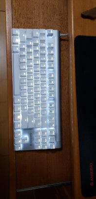 CHERRY MX-Board 8.0和雷蛇猎魂光蛛精英版线性光轴区别很大吗?按键哪款更加舒服?哪个运行安静?