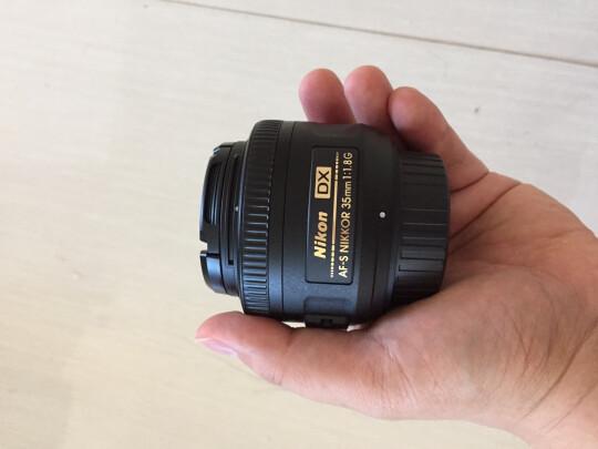 尼康35mm f/1.8G跟SONY SEL55210究竟有明显区别吗?虚化效果哪款比较好?哪个对焦迅速